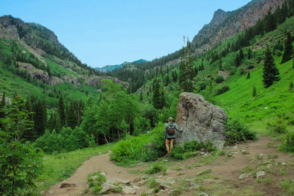 hiking in vail