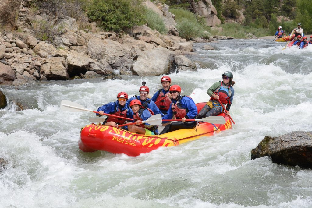how to whitewater raft